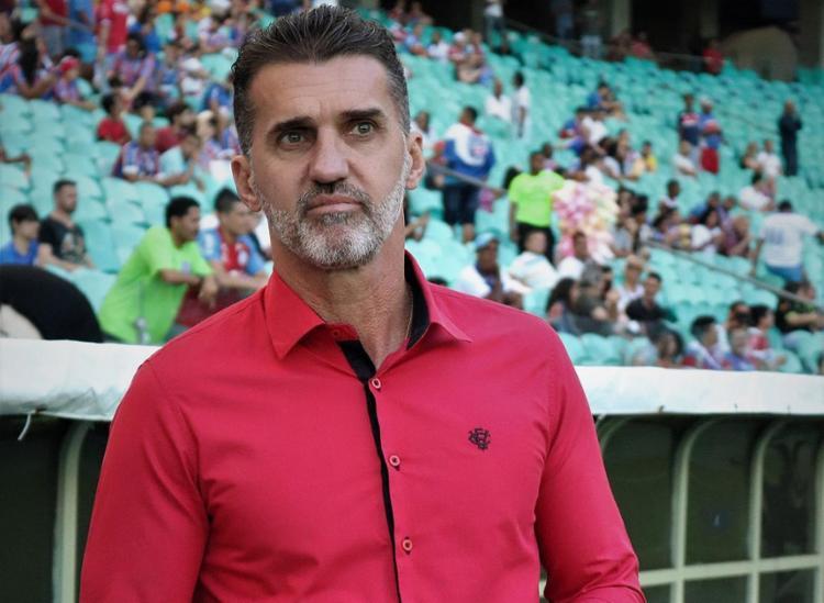 Treinador foi expulso no segundo tempo do clássico - Foto: Maurícia da Matta l EC Vitória