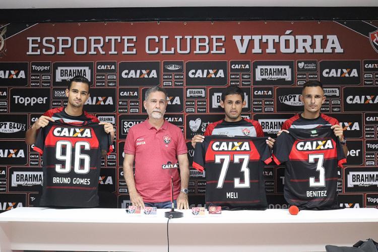 Bruno Gomes, Marcelo Meli e Marcelo Benítez, que já estão treinando com o elenco - Foto: Maurícia da Matta l EC Vitória