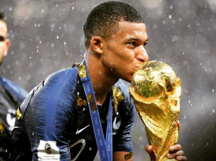 O atacante foi destaque da seleção da França durante a Copa do Mundo 2018 - Foto: Reprodução | Twitter