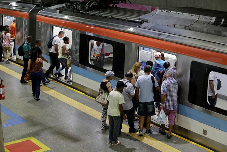 As demais estações das Linhas 1 e 2 ampliarão o funcionamento apenas para desembarque - Foto: Raul Spinassé   Ag. A Tarde