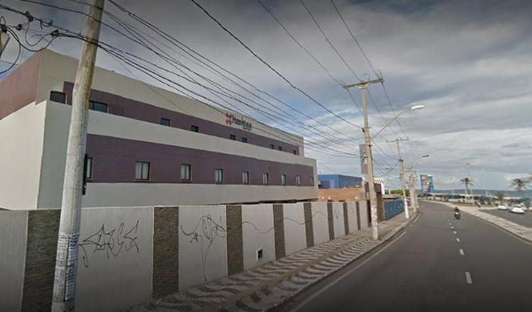 As vítimas foram achadas em um quarto do estabelecimento com marcas de ferimentos causados por objeto cortante - Foto: Reprodução l Google Maps