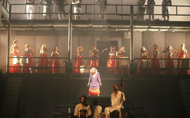 Espetáculo está em temporada no Teatro Vila Velha até agosto
