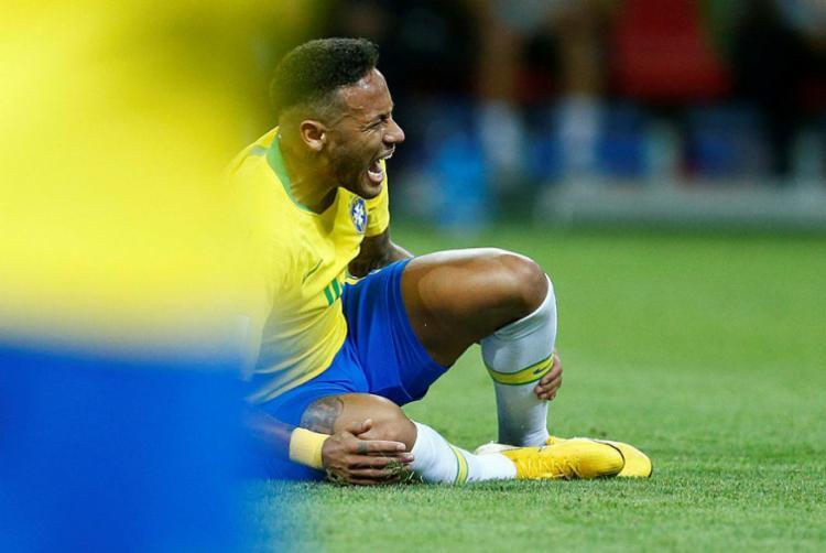 Antes do torneio, Neymar vivia a expectativa de se tornar um dos melhores do mundo - Foto: Benjamin Cremel | AFP