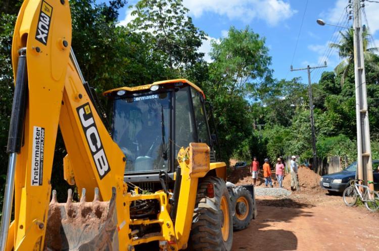As invenções de saneamento e pavimentação asfáltica de quase dois quilômetros foram iniciadas na Rua Cotovelo e Travessa do Cotovelo - Foto: Divulgação