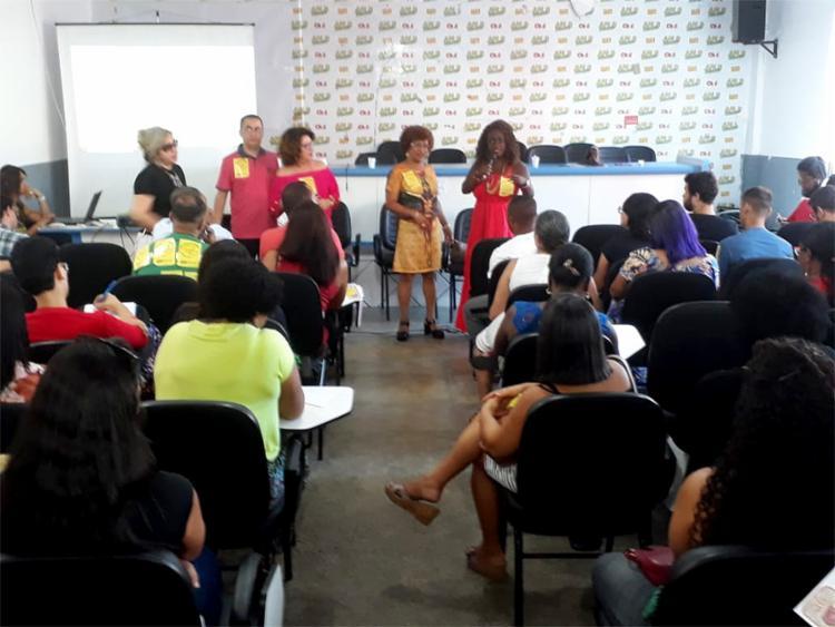 Os docentes deflagraram greve desde a manhã desta quarta-feira, 11 - Foto: Divulgação l APLB