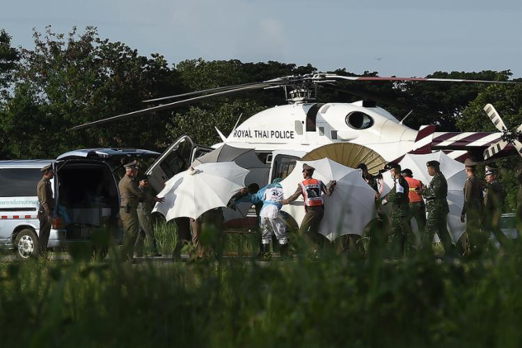 Operação já salvou a vida de oito adolescentes - Foto: Lillian Suwanrumpha l AFP