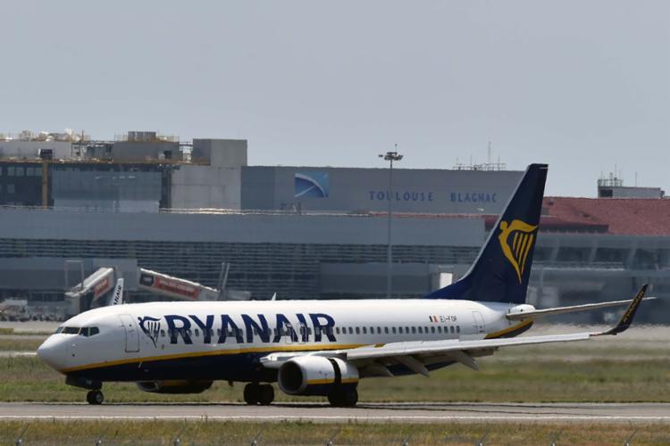 Acidente ocorreu em uma aeronave da Ryanair, a companhia aérea irlandesa de baixo custo - Foto: AFP