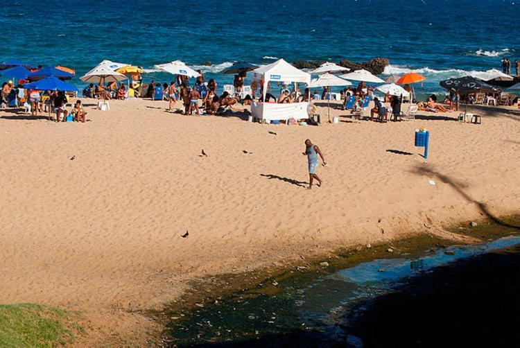 Só em Salvador, 15 praias encontra-se impróprias para banho - Foto: Luciano da Matta | Ag. A TARDE | 22.07.2018