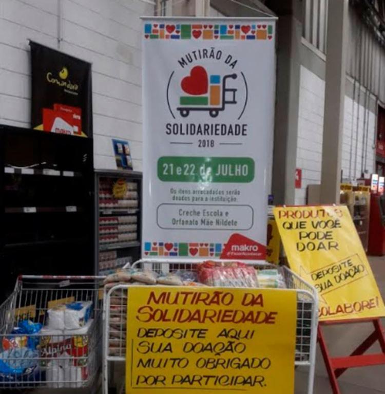 Clientes e moradores ajudaram na doação dos alimentos - Foto: Divulgação
