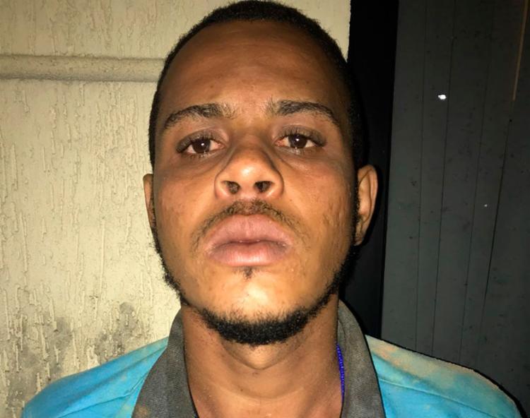 Tiago e o adolescente são suspeitos de integrar uma quadrilha de tráfico de drogas - Foto: Divulgação | SSP-BA