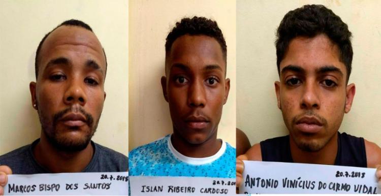 Suspeitos foram flagrados na rua Moçambique, em Coutos