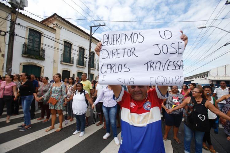 Protesto foi motivado após medidas tomadas pelo provedor da escola - Foto: Luciano Carcará   Ag. A TARDE