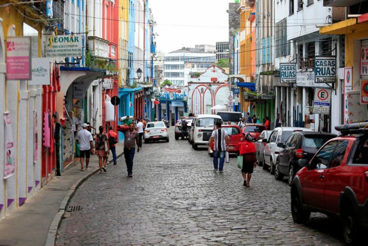Uma das modificações será a proibição de estacionamentos na rua do Tabuão - Foto: Luciano Carcará | Ag. A TARDE