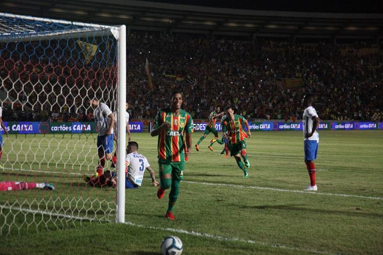 Lance do gol da equipe maranhense saiu de uma falha da defesa do Tricolor - Foto: De Jesus l Jornal O Estado
