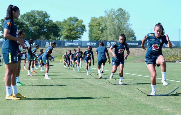 Jogadoras participam de trabalho tático no centro de treinamento do Sporting Kansas City - Foto: Lucas Figueiredo l CBF