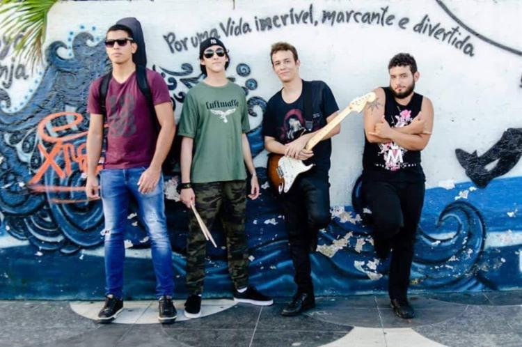 Noturnos no Paraíso resgatam influências do rock brasileiro das décadas de 80 e 90 - Foto: Tersiane Machado | Ag. A TARDE