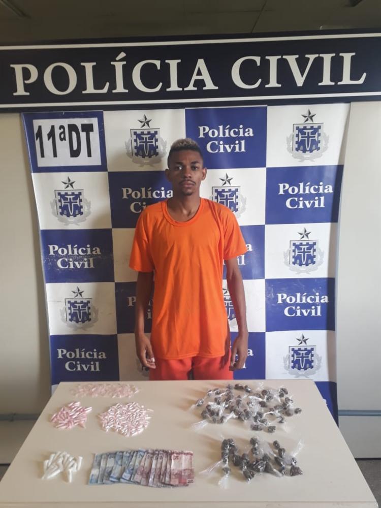 Vagner Santos Santana foi encontrado com drogas e material para embalo - Foto: Divulgação   SSP-BA