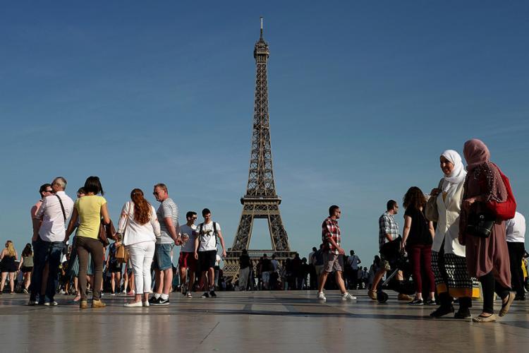 O monumento não estará disponível ao público no domingo por motivos de segurança - Foto: Ludovic Marin l AFP
