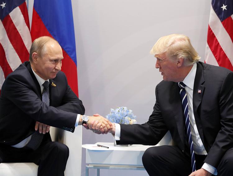 Trump e Putin se encontram amanhã no palácio - Foto: Michael Klimentyev | Kremlin Pool | Reprodução | Agência Brasil