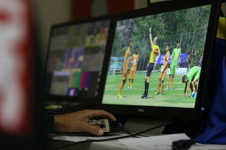 Sistema estreia no futebol brasileiro nesta semana nos duelos de ida das quartas de final do torneio - Foto: Paulo Rebelo l CBF