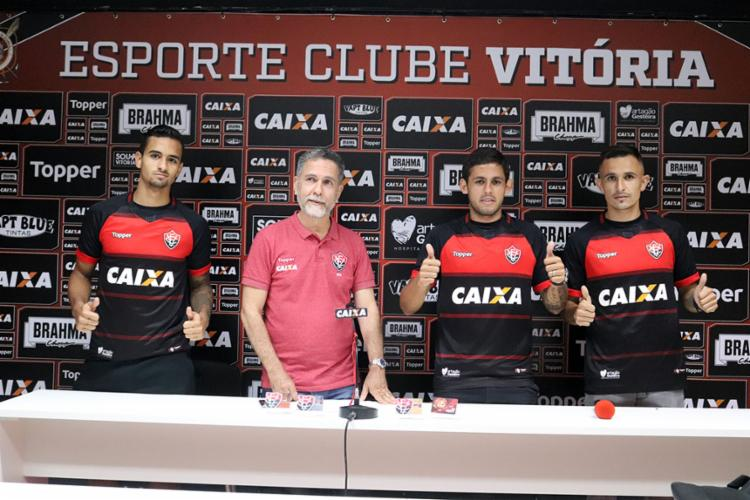Os novos contratados vieram do futebol internacional - Foto: Maurícia da Matta | EC Vitória