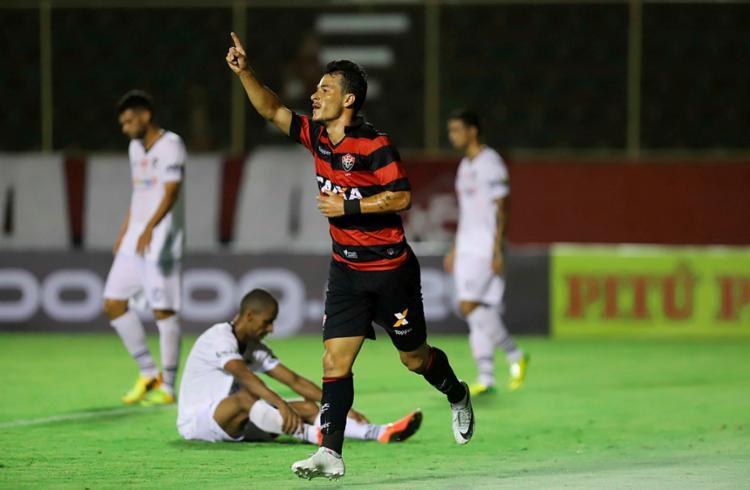 Belusso fez 10 jogos pelo Rubro-Negro e marcou apenas 2 gols - Foto: Adilton Venegeroles | Ag. A Tarde
