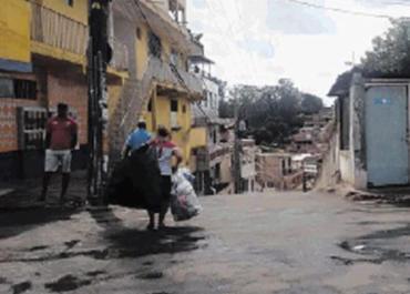 Caso ocorreu na rua Major Vitorino Palma no domingo - Foto: Andrezza Moura l Ag. A TARDE