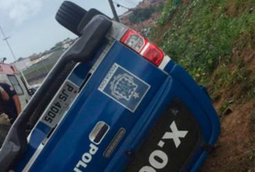 Viatura da polícia capota em Campinas de Pirajá | Reprodução