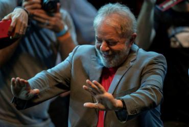 Lula cresce e alcança 37,3% das intenções de voto   Mauro Pimentel   AFP