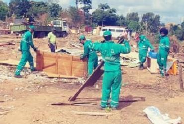Sedur remove invasão em área pública no bairro de Piatã   Divulgação   Sedur