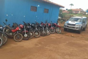 Dez motos foram encontradas em um imóvel usado pela dupla - Divulgação | SSP