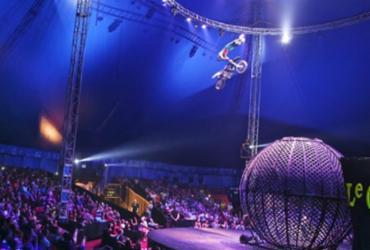 O Le Cirque Amar traz diferencial, nove motoqueiros ensandecidos dentro de uma esfera metálica, cruzando os limites entre a vida e morte. - Reprodução