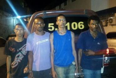 Homens são presos durante assalto a ônibus no túnel Américo Simas   Divulgação   SSP