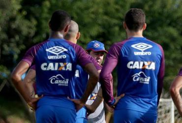 Bahia duela com Palmeiras em busca de classificação inédita
