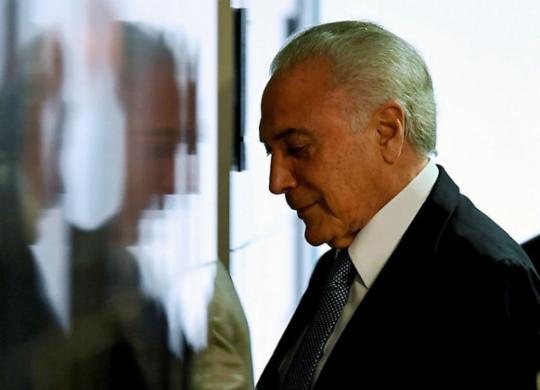 Reprovação de Temer cresce para 89,6%, aponta pesquisa MDA/CNT   Evaristo Sá   AFP