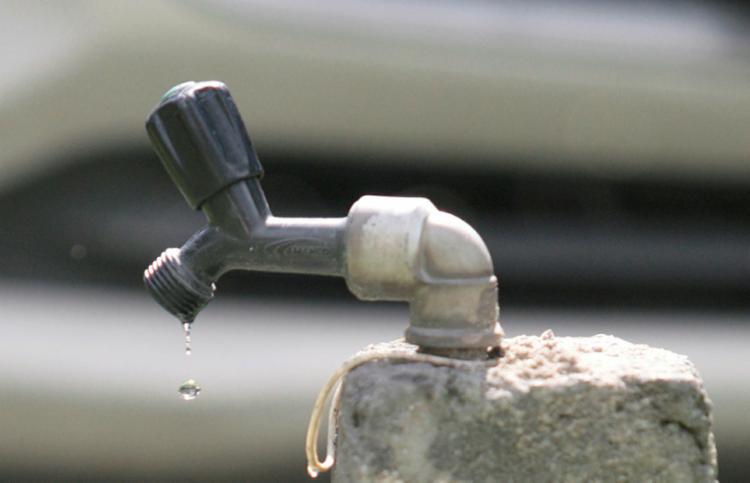 Fornecimento de água deve ser retomado completamente em até 48 horas - Foto: Luciano da Matta | Ag. A TARDE