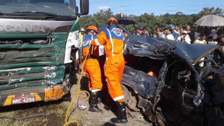 O acidente ocorrido na ultima quinta, 2, causou a morte de 6 pessoas incluindo uma criança - Foto: Reprodução | Site Acorda Cidade