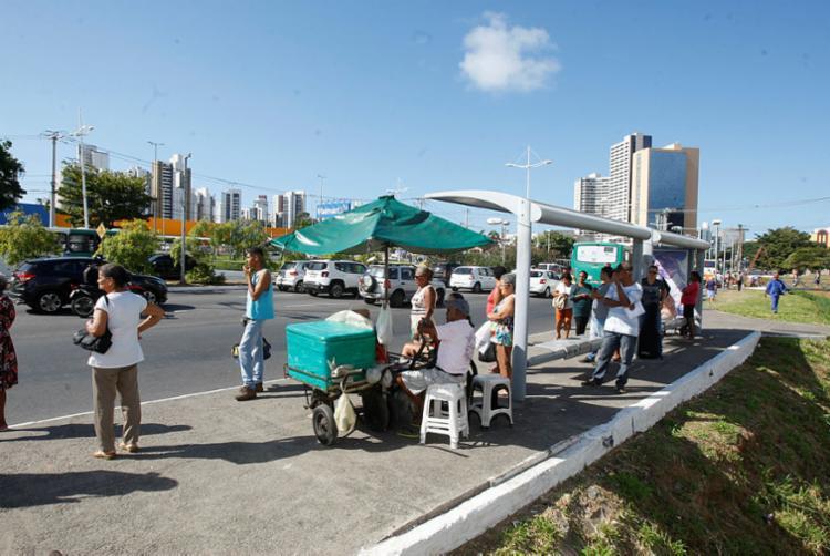 Ponto de ônibus ainda permanecerá ativado pelo prazo de 15 a 20 dias - Foto: Luciano da Matta | Ag. A TARDE
