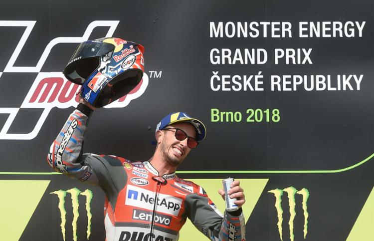 Andrea Dovizioso venceu neste domingo a etapa da República Checa da MotoGP - Foto: AFP