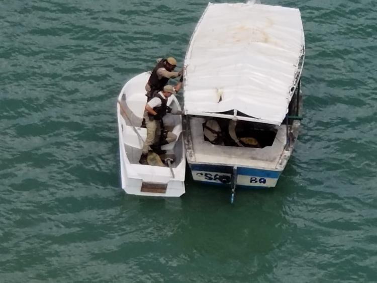 As Guarnições iniciaram a perseguição e a dupla tentou a fuga pelo mar - Foto: Divulgação | SSP BA