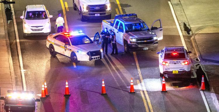 Polícia isolou a área próxima ao local onde acontecia o campeonato de videogame - Foto: Mark Wallheiser | AFP