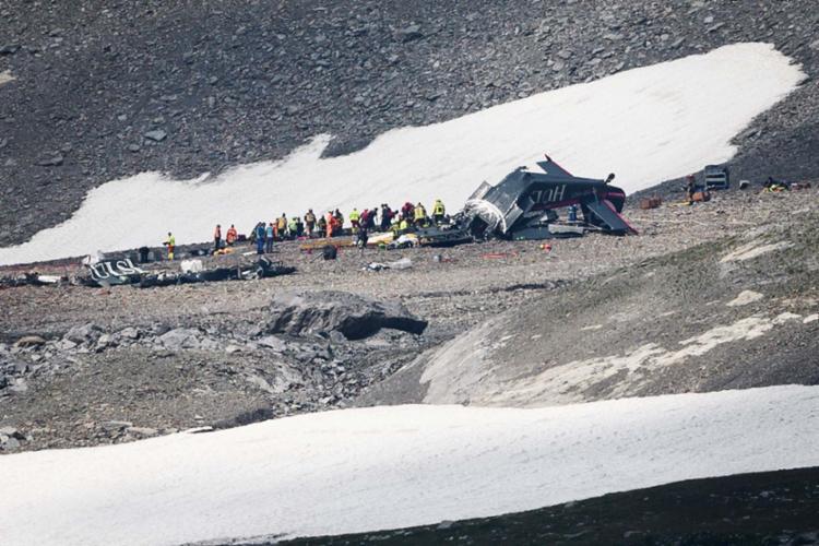 Avião caiu nas proximidades do pico de Piz Segnas, a uma altitude de 2,5 mil metros - Foto: AFP
