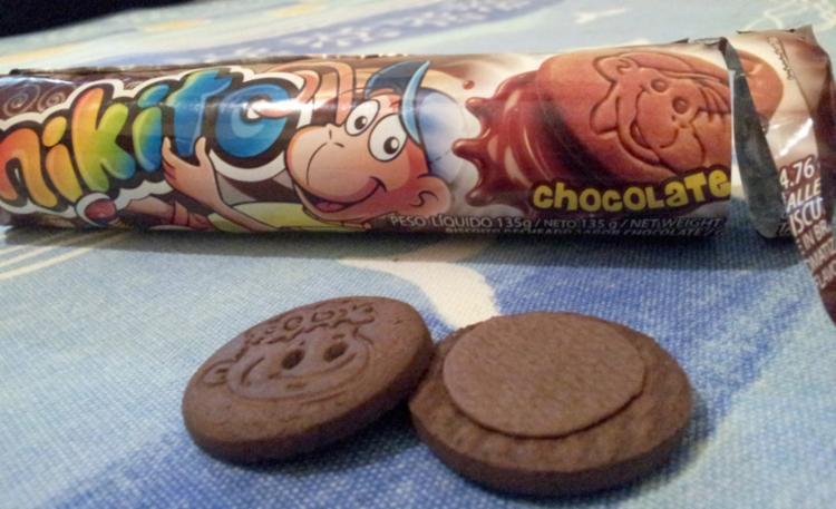 O apelido Nikito é em relação a uma marca de biscoito que tem um macaco como mascote
