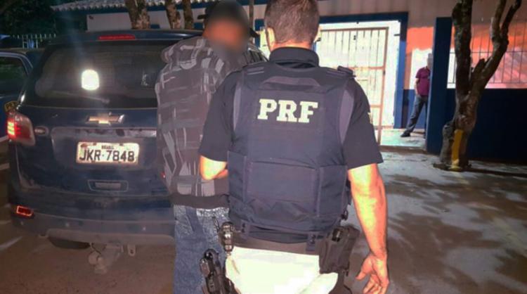 Homem foi encaminhado para a delegacia da cidade onde está a disposição da justiça - Foto: Divulgação | PRF