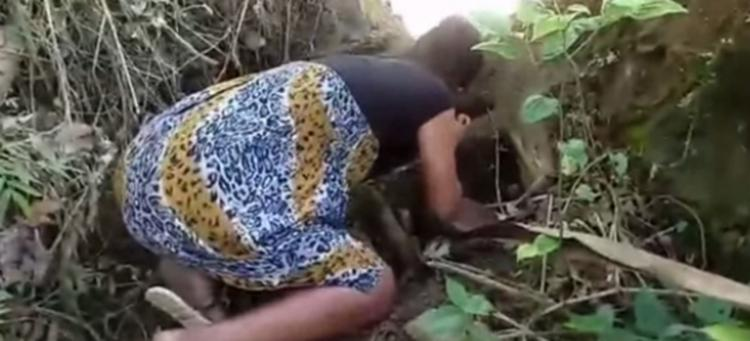 Rosemare de Oliveira mostrou à polícia os locais onde enterrou o filho - Foto: Reprodução | Verdinho Itabuna