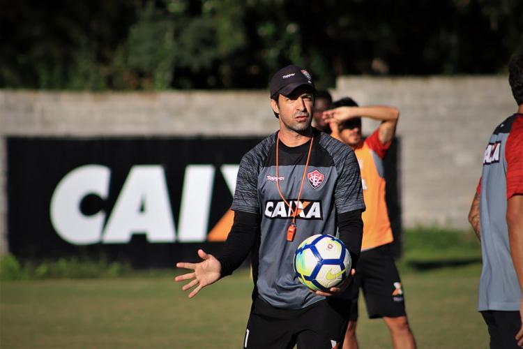 Técnico interino não revelou a equipe que joga no domingo - Foto: Maurícia da Matta l EC Vitória