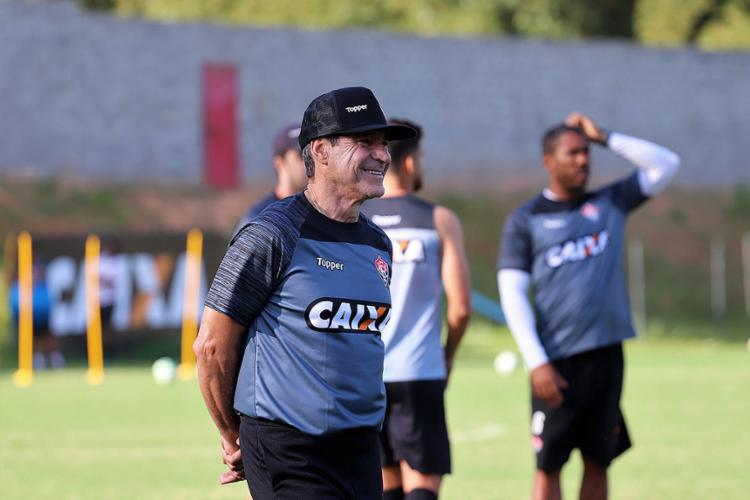 Técnico testou novo esquema para o duelo de domingo, 19, no Barradão - Foto: Maurícia da Matta | EC Vitória