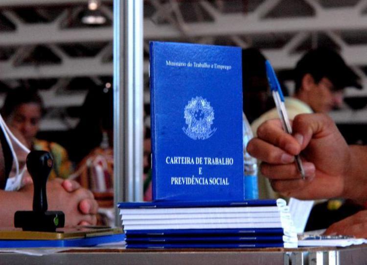 Acordo facilitará acesso do trabalhador à carteira profissional em todo o País - Foto: Marcello Casal l Agência Brasil l Arquivo