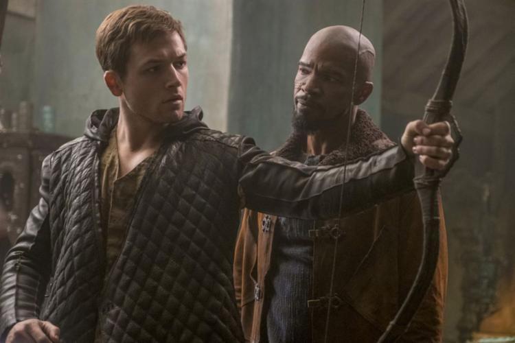 Jamie Foxx e Taron Egerton são as estrelas do novo trailer de Robin Hood – A Origem. O filme estreia no dia 22 de novembro - Foto: Divulgação