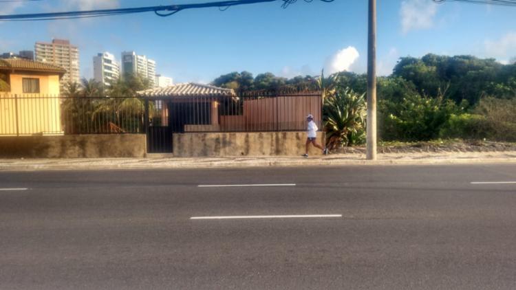 Atleta saiu de Itapuã e seguiu pela orla da capital até chegar à avenida Bonocô